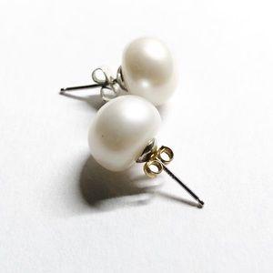 Faux pearl EARRINGS white studs hypoallergenic